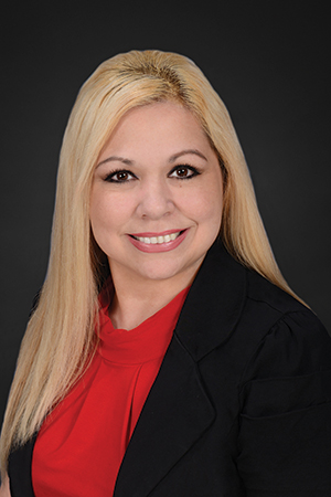 Lucy Kiley Staff Headshot